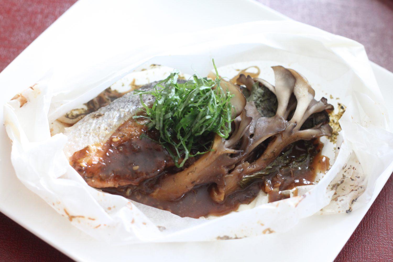 大葉みそ(大葉味噌)で作る鮭とキノコの包み焼き